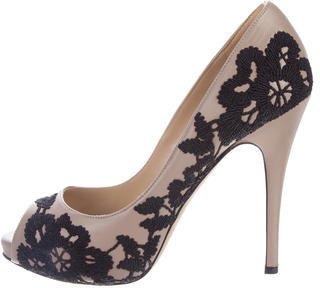 ValentinoValentino Embroidered Leather Pumps