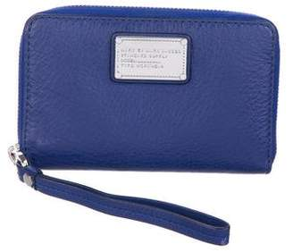 Marc by Marc Jacobs Zip-Around Logo Wallet