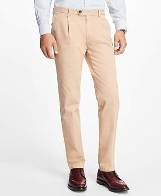 Brooks Brothers Slim-Fit Pleat-Front Garment-Dyed Stretch Chinos