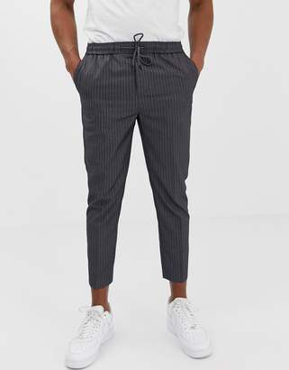 New Look slim fit cropped pants in gray pinstripe