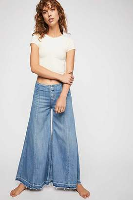 Extreme Wide Leg Jeans