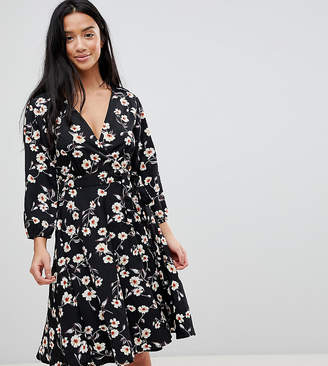 Yumi Petite Wrap Dress in Floral Print