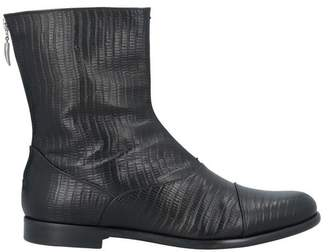 UNCONVENTIONAL ROYAL Ankle boots