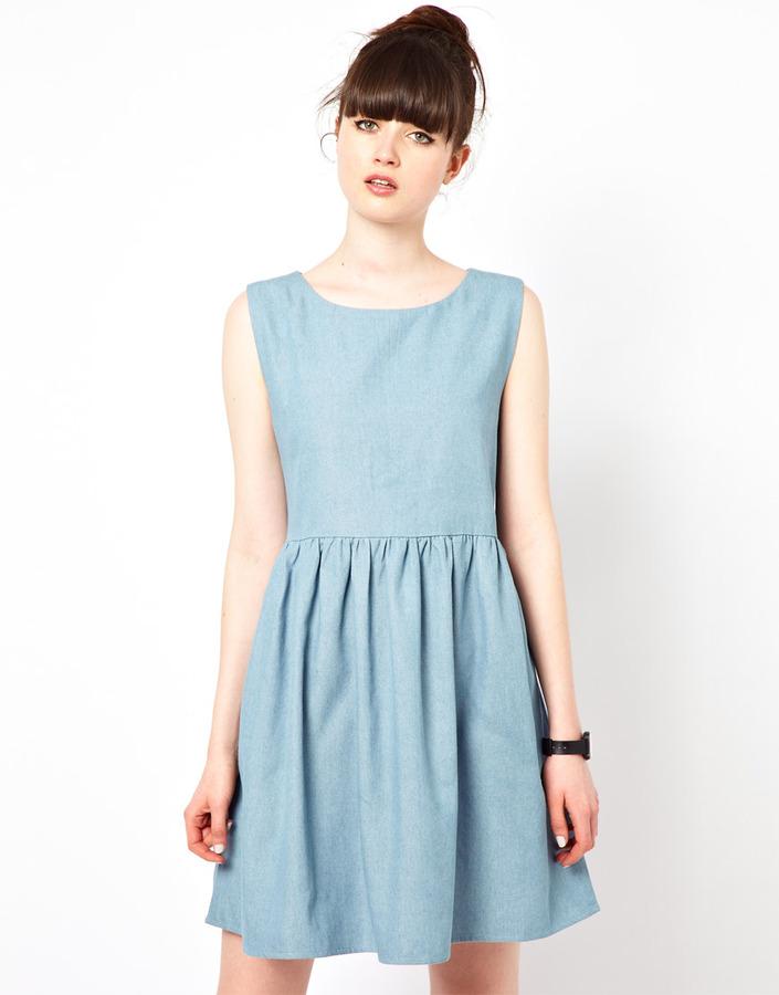 The WhitePepper Sleeveless Smock Dress in Denim