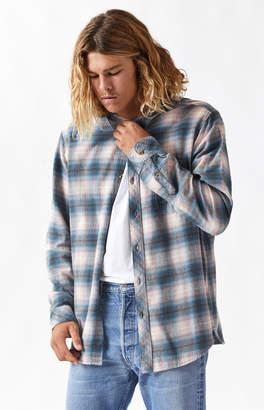 Billabong Coastline Plaid Flannel Long Sleeve Button Up Shirt
