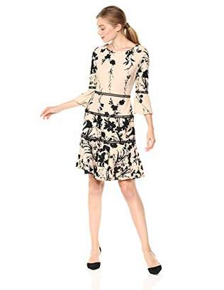 Gabby Skye Women's 3/4 Bell Sleeved Round Neck Crepe Fit and Flare Dress