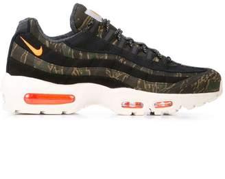 Nike 95 x Carhartt sneakers
