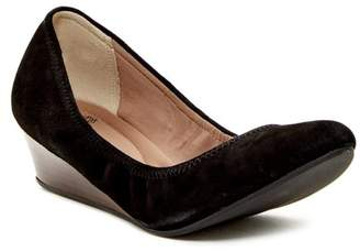 a61fb16972e Susina Fraya Leather Wedge Pump - Multiple Widths Available