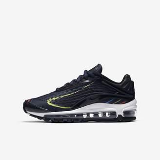 Nike Deluxe Big Kids' Shoe