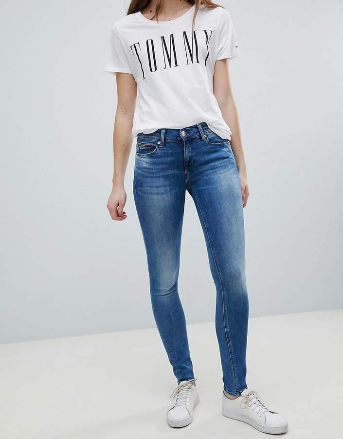 – Nora – Enge Jeans mit mittelhohem Bund