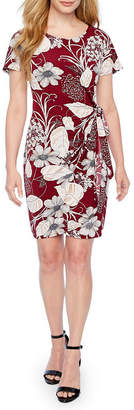 Robbie Bee Short Sleeve Puff Print Floral Sheath Dress