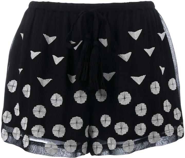 Shorts mit Stickerei