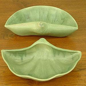Novica Seashells Ceramic Bowls, Set of 2