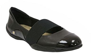 ELLEN TRACY Aperture Leather Cap Toe Flats