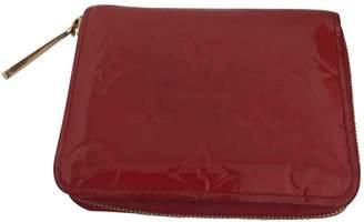 Louis Vuitton Zippy patent leather wallet