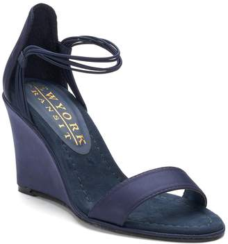 New York Transit Looking Great Women's Wedge Sandals