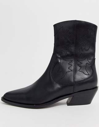 Asos Design DESIGN Autumnal leather cowboy boots in black