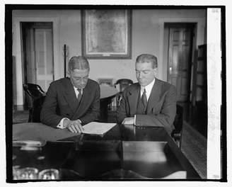 LG Electronics HistoricalFindings Photo Andrews & Ass't. Sec. of Treasury & Eliot Wadsworth,3/25/25