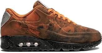 Nike 90 Mars Landing sneakers
