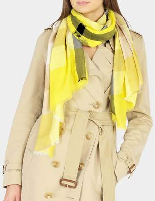 Burberry 168X30 Fluoro Giant Icon Check Cashmere Scarf in Bright Lemon Cashmere