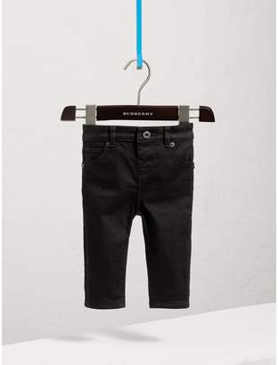 Burberry Skinny Fit Stretch Denim Jeans , Size: 2Y, Black