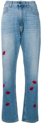 VIVETTA embroidered lip patch mom jeans