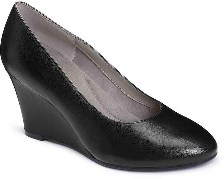 AerosolesWomen's Partnership Wedge Pump -Black Leather