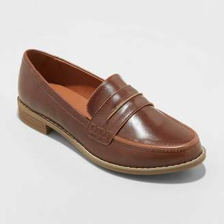 Universal Thread Women's Quinn Faux Leather Closed Back Loafers