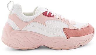 KENDALL + KYLIE Focus Sneaker