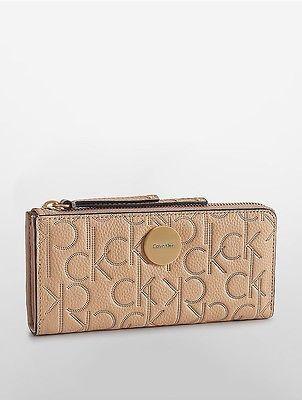 Calvin KleinCalvin Klein Womens Abby Half Zip Continental Wallet Stucco