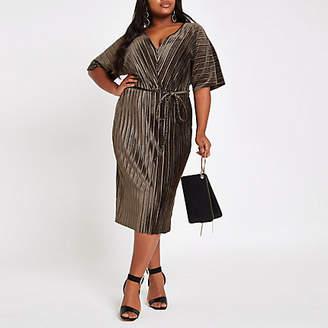 River Island Plus khaki velvet plisse kimono sleeve dress