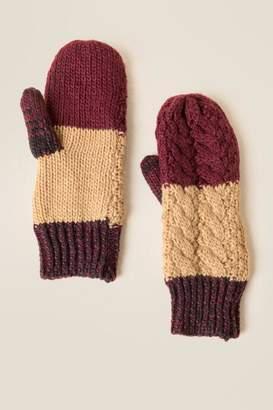 francesca's Karla Cable Knit Gloves - Burgundy