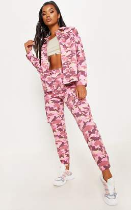 PrettyLittleThing Pink Camo Cargo Pocket Jeans