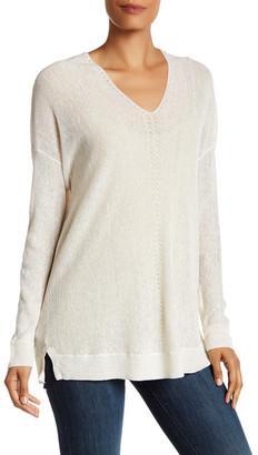 VINCE. V-Neck Linen Blend Pullover $245 thestylecure.com