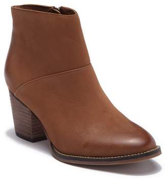 Blondo Nelli Waterproof Bootie