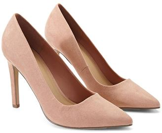 FOREVER 21+ Pointed Faux Suede Pumps $19.90 thestylecure.com