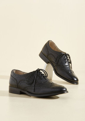 Talking Picture Oxford Flat in Black in 7.5 $49.99 thestylecure.com
