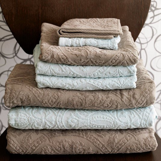 Medallion Jacquard Towels - Truffle