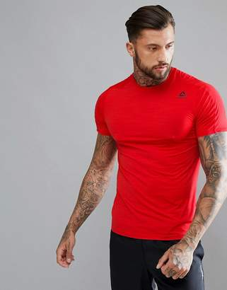 Reebok Training activechill move t-shirt in red cf7874