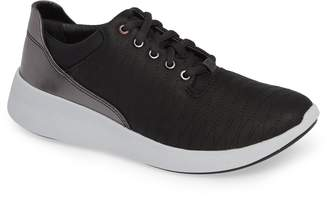 Clarks R) Un Alfresco Sneaker