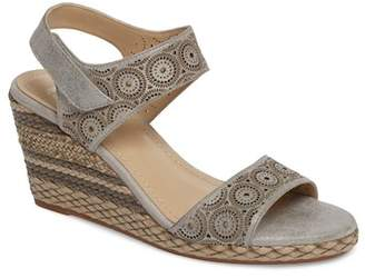 Johnston & Murphy Georgiana Wedge Sandal (Women)