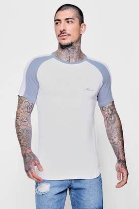 boohoo MAN Signature Muscle Fit Raglan T-Shirt