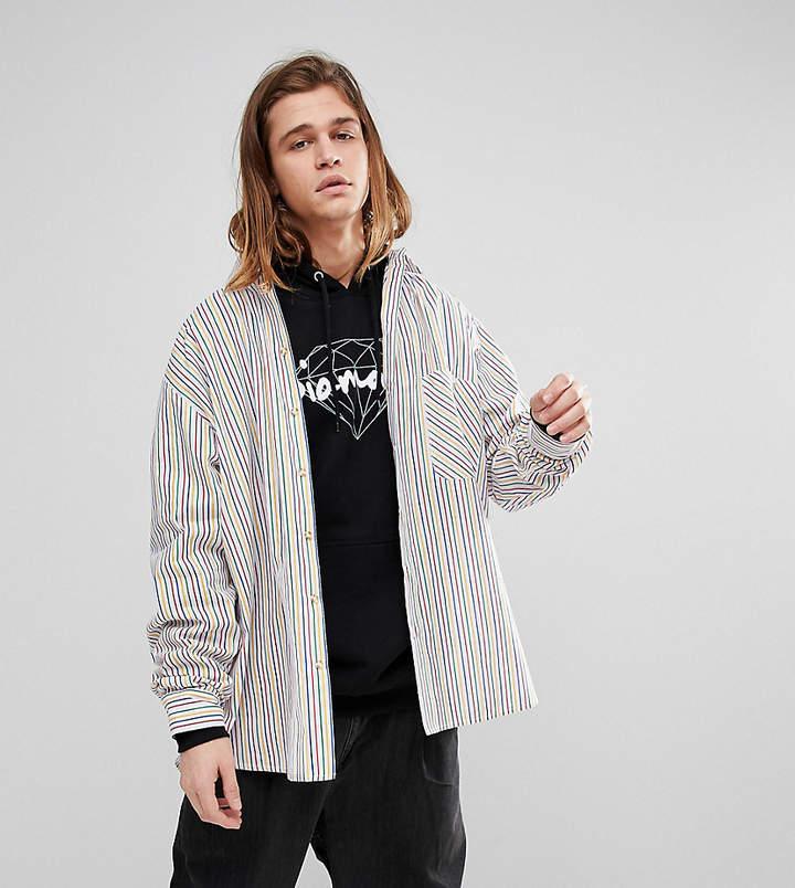 Inspired – Oversize-Hemd mit Regenbogenstreifen