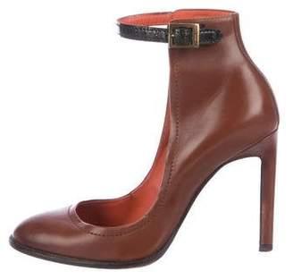 Santoni Leather Round-Toe Pumps