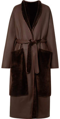 The Row Nooman Oversized Belted Shearling Coat - Dark brown