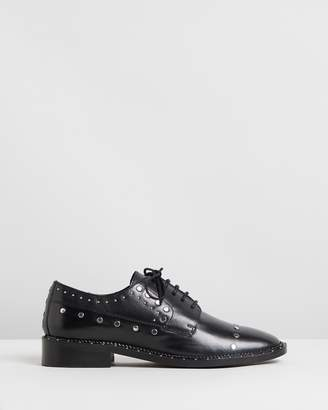 Bronx Noir Studded Leather Low Shoes