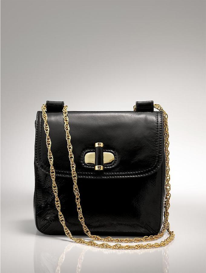 Crinkled patent chain bag