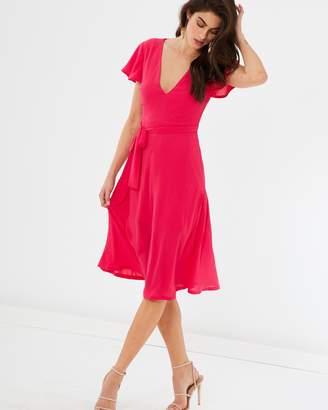 b7c4c05fdc Atmos   Here ICONIC EXCLUSIVE - Hera Plunge Midi Dress