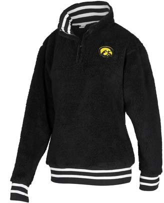 NCAA Zoozatz Women's Iowa Hawkeyes Sherpa Pullover