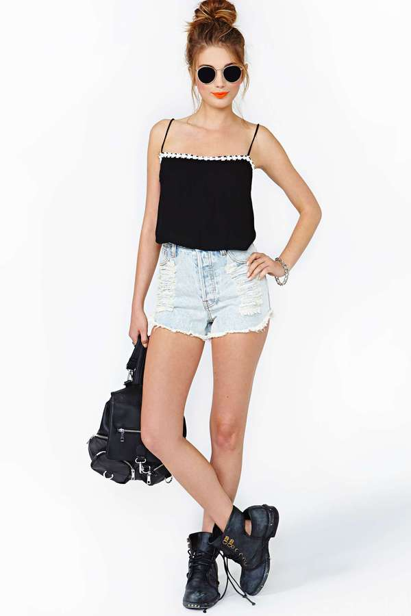 Nasty Gal Motel Daisy Chain Crop Tank